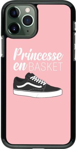 Coque iPhone 11 Pro - princesse en basket