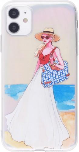 Coque iPhone 12 mini - Woman beach